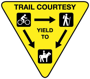 trail etiqutte sign